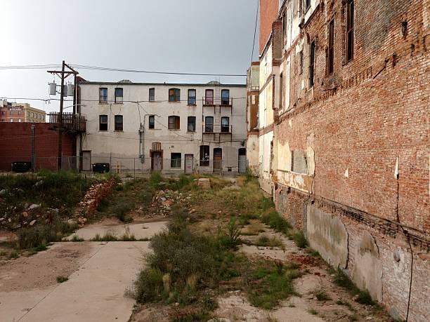 Banco de imagens e fotos de Degradação Do Ambiente Urbano - iStock 5fb2bbfc97d7
