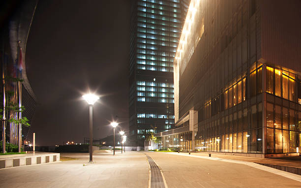 Urban Entreprise Modern Office Building at night entreprise stock pictures, royalty-free photos & images