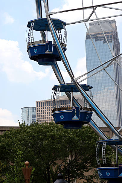 Urban Ferris wheel  bunnylady stock pictures, royalty-free photos & images