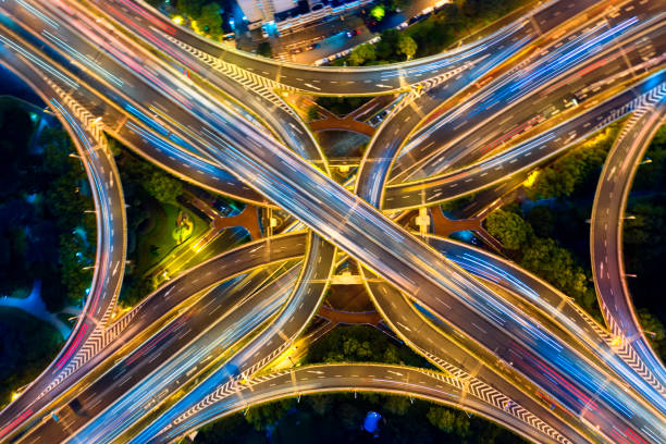 Stadtautobahnverkehr shanghai in der Nacht – Foto