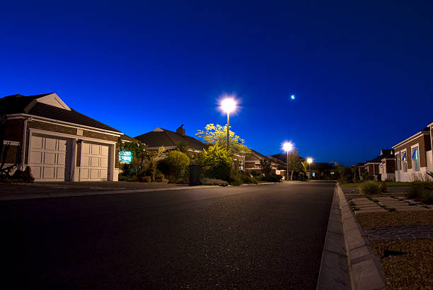 nacht szene-stadt - citylight stock-fotos und bilder