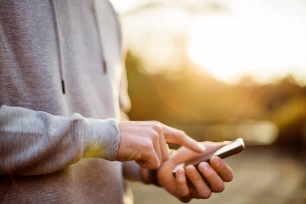 Urban Runner mit Smartphone-app für Ausbildung – Foto
