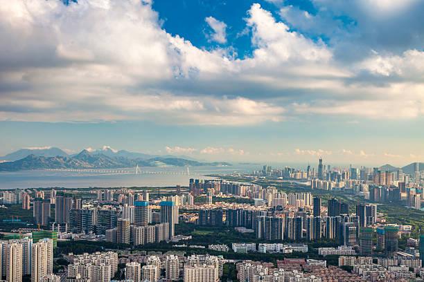 urban scene of shenzhen - guangdong i̇li stok fotoğraflar ve resimler