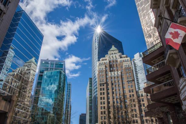 stedelijke scène - vancouver canada stockfoto's en -beelden