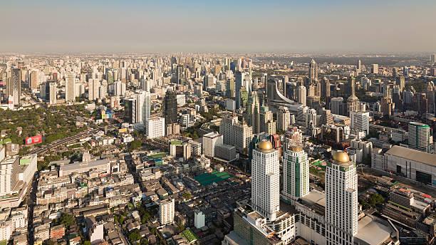 Urban skyscrape, central business downtown of Bangkok city Thailand圖像檔
