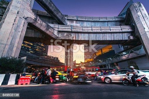 istock Urban traffic 649503138