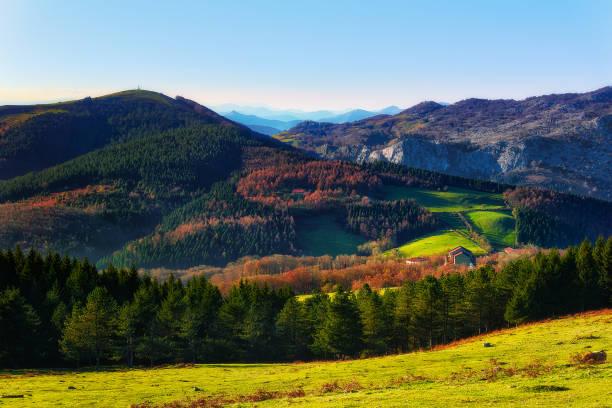 Santuario y montes de Urkiola - foto de stock