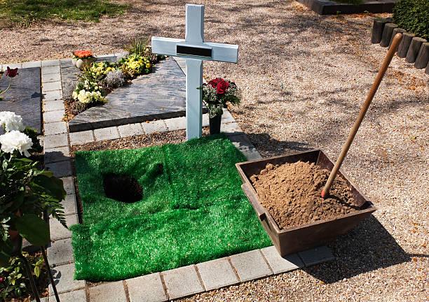 urne grave - hajohoos stock-fotos und bilder