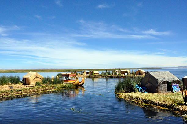 ウル文化チチカカ湖諸島 - チチカカ湖 ストックフォトと画像