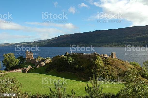 Urquhart castle and loch ness scotland picture id146967128?b=1&k=6&m=146967128&s=612x612&h=remuz9vbz7sb5imxxoiaolx6kpz22hpw8hj3aurvwto=