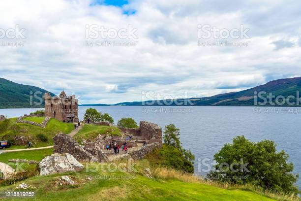 Urquhart castle and loch ness scotland uk picture id1218819252?b=1&k=6&m=1218819252&s=612x612&h=xcmfwq7hkpdjvxny14fazect 4qvlj2y7bxnzbs2y i=