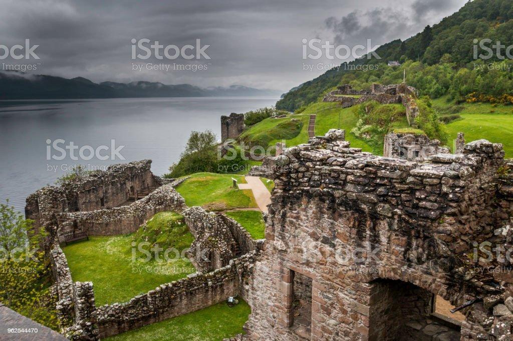 Ruínas do Castelo de Urquhart - Foto de stock de Antigo royalty-free