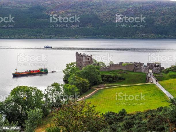 Urquhart castle scotland picture id1067235570?b=1&k=6&m=1067235570&s=612x612&h=0nmrvhtxd5p5u2lsbt1p64mq01 cjhdqjcg8do2knqw=