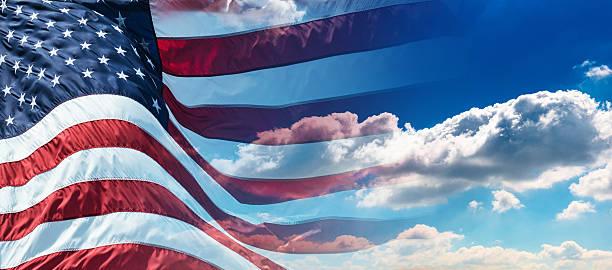 us-flagge winken auf wind - horizontal gestreiften vorhängen stock-fotos und bilder
