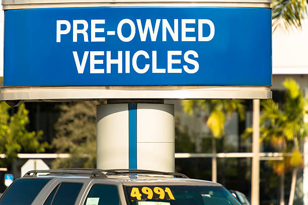 used car dealership - used car selling stock pictures, royalty-free photos & images
