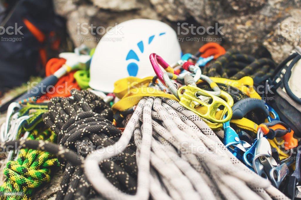 Kletterausrüstung : Kletterausrüstung auf mann u stockfoto antonpedko gmail