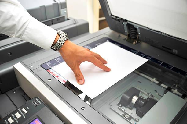 mit kopierer - medizinischer scanner stock-fotos und bilder