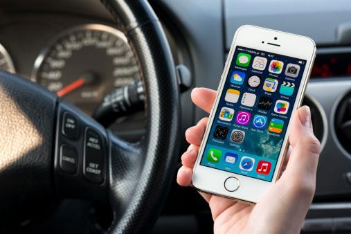 Using iPhone 5 in a car