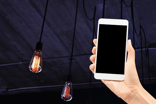 Met Behulp Van Mobiele Controle Licht Stockfoto en meer beelden van Aanraken