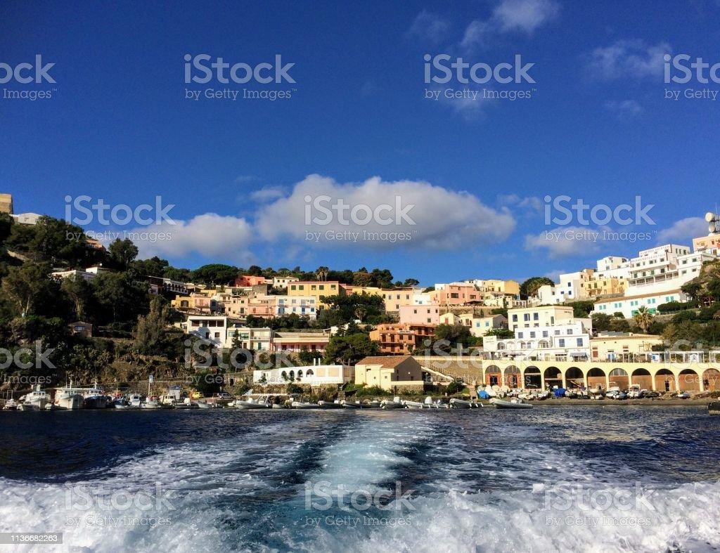 Insel Ustica Sicily Stockfoto und mehr Bilder von Außenaufnahme von  Gebäuden - iStock