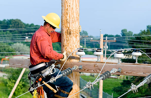Utility Lineman  telephone line stock pictures, royalty-free photos & images
