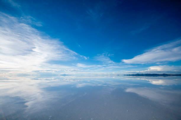 Uyuni Bolivia uyuni bolivia horizon over water stock pictures, royalty-free photos & images
