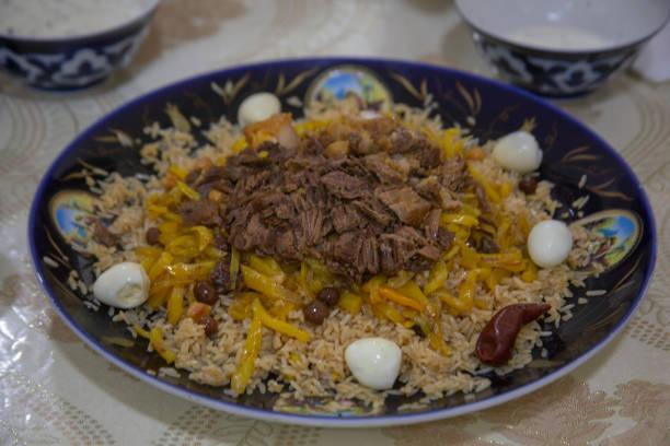 et yumurta özbek pirinç - isı sıcaklık stok fotoğraflar ve resimler