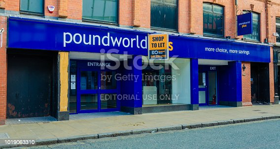 istock Vacant and closed Poundworld shop in Chester 1019063310