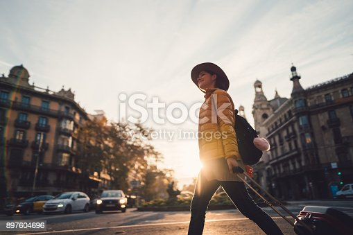 istock Vacation in Barcelona 897604696