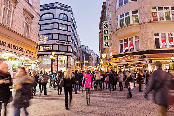 vaci street with christmas decoration in budapest - fußgängerzone stock-fotos und bilder