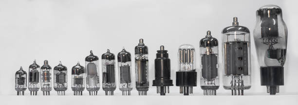 vacuum tube set - radiobuis stockfoto's en -beelden