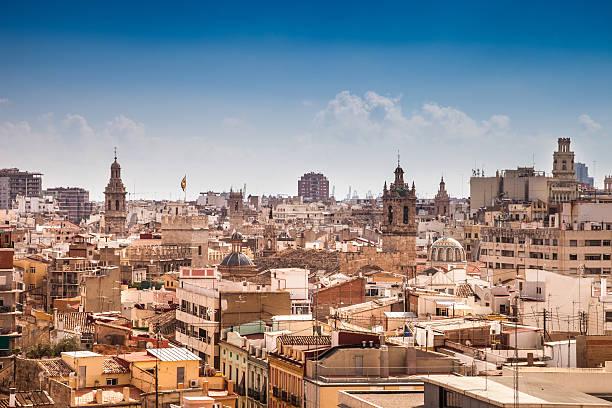 valencia cityscape in a beautiful day - valencia stockfoto's en -beelden