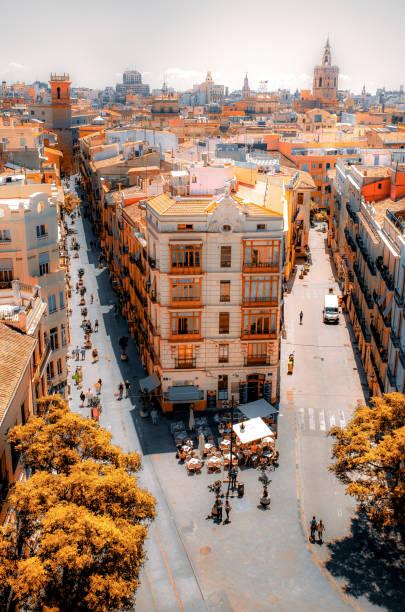 valencia vanaf de hoogten - valencia stockfoto's en -beelden
