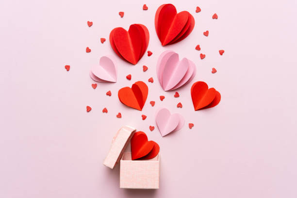 valentine day composition with gift box and red hearts, photo template on pink background. - kartka na walentynki zdjęcia i obrazy z banku zdjęć