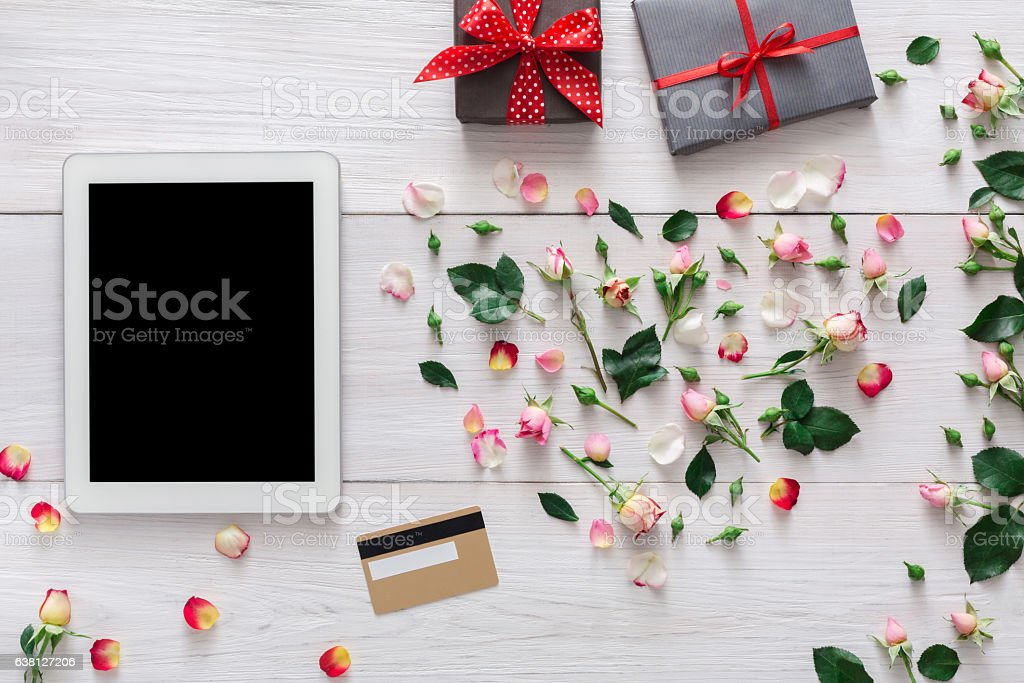 valentine day online shopping background stock photo | istock, Ideas
