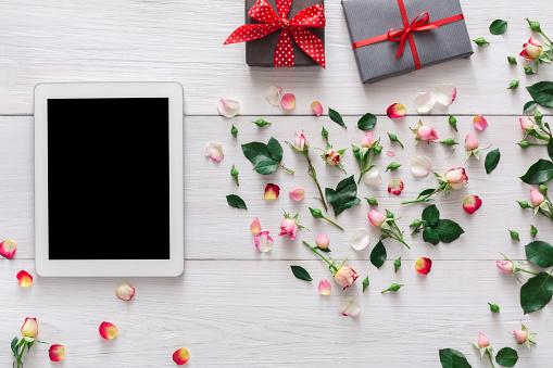 Valentine day online shopping background