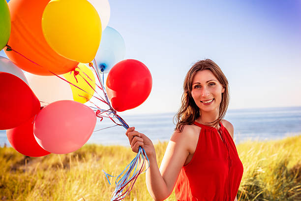 valentine red balloons female – Foto