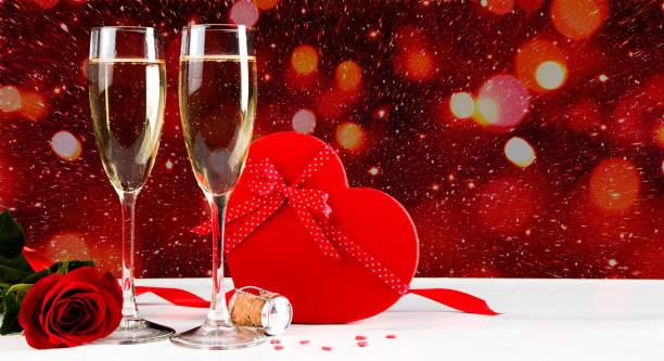 Valentines celebration with champagne picture id905921168?b=1&k=6&m=905921168&s=612x612&w=0&h=gxutdxuurskfys3zfozbaoneyrcax5lzjlofi4vfa24=
