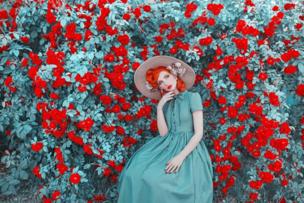 Valentines day background cute retro girl with red lips in mint dress picture id1011052192?b=1&k=6&m=1011052192&s=612x612&w=0&h=dxrnyud3tdw vdfx3siowacqvzl4weakssdqf jdsoq=