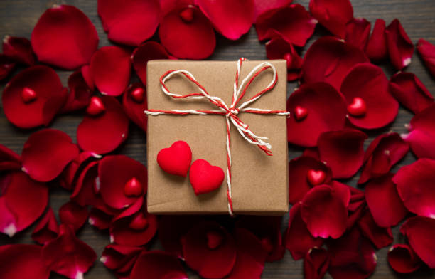 Valentines day background with hearts rose petals and gift box picture id1295616605?b=1&k=6&m=1295616605&s=612x612&w=0&h=q i 9pr8khnz9w0tnk0drt148t48yx6vgmoqp7svjkg=