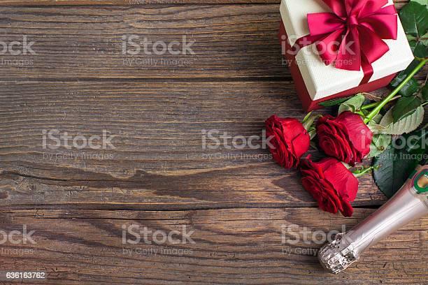 Valentines day celebration on rustic wooden table picture id636163762?b=1&k=6&m=636163762&s=612x612&h=wmtdqqes0enmxgvszrjojwzr8pf63r05dl24rtnlqi8=