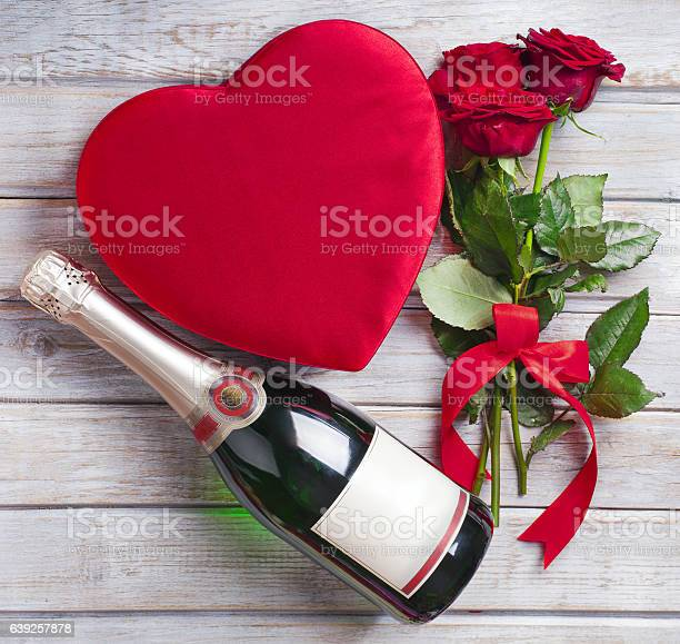 Valentines day celebration on rustic wooden table picture id639257878?b=1&k=6&m=639257878&s=612x612&h=u2qkjdlmtow9oybuk0xdl7 6fgwyfvqeevrpyugcevg=