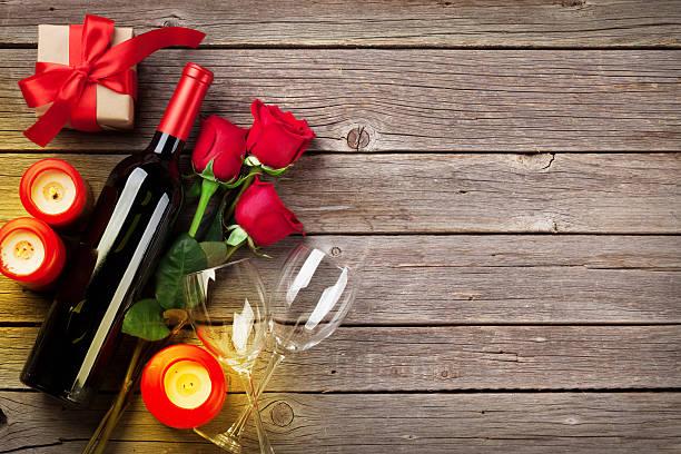 tarjeta de felicitación de san valentín - cena romantica fotografías e imágenes de stock