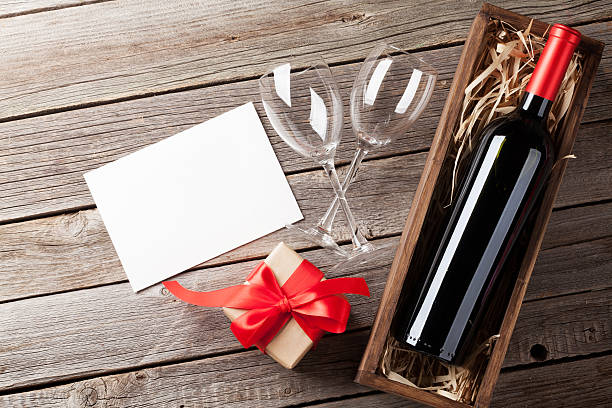 valentines day greeting card - wine box bildbanksfoton och bilder
