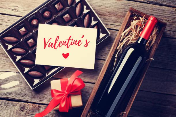 Valentines day greeting card picture id906648972?b=1&k=6&m=906648972&s=612x612&w=0&h=x77qyk5nxmhufjoxuarwc4hme9yj8mvaiwpbesnwu70=