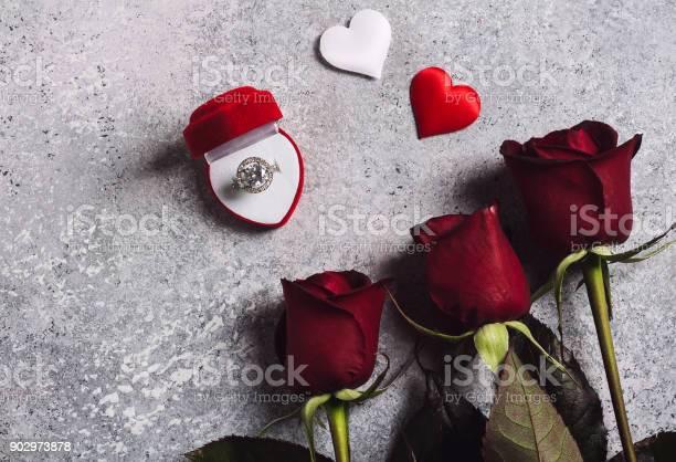 Valentines day marry me wedding engagement ring in box with red rose picture id902973878?b=1&k=6&m=902973878&s=612x612&h=7zr8e ihijzkfwficfrd7qfbwkshce wydbodmgf3yi=
