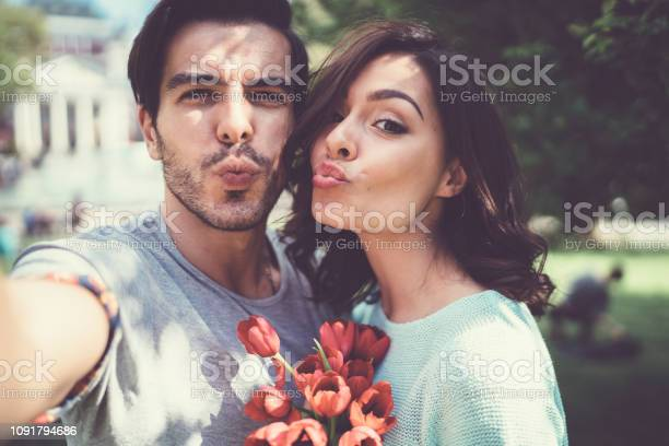 Valentines day picture id1091794686?b=1&k=6&m=1091794686&s=612x612&h=itoiuh0to6bwnke9hquas7tceqao8g7tjui jo5ssku=