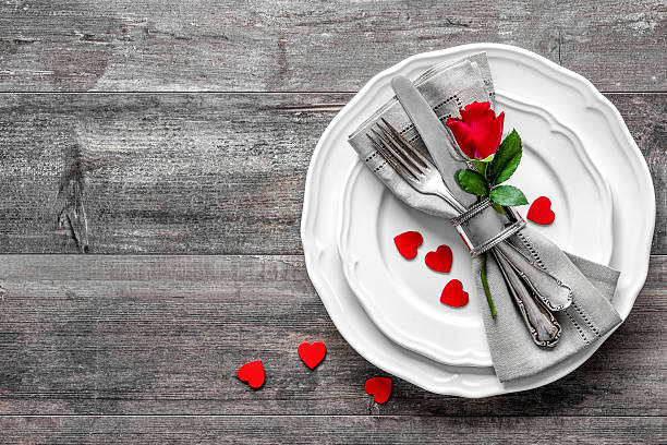 Valentines day table place setting picture id503398718?b=1&k=6&m=503398718&s=612x612&w=0&h=1vr7doohrjilvqgsts2hgpldoz6tkat4fxuun2r14zi=