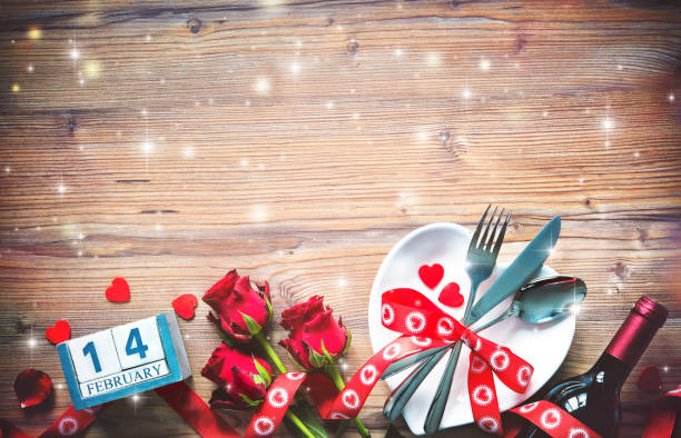 Valentines day table place setting picture id911840214?b=1&k=6&m=911840214&s=612x612&w=0&h=mrbu32rheuz3h7r3yjivp5luhtokyarld32fkjnwndq=