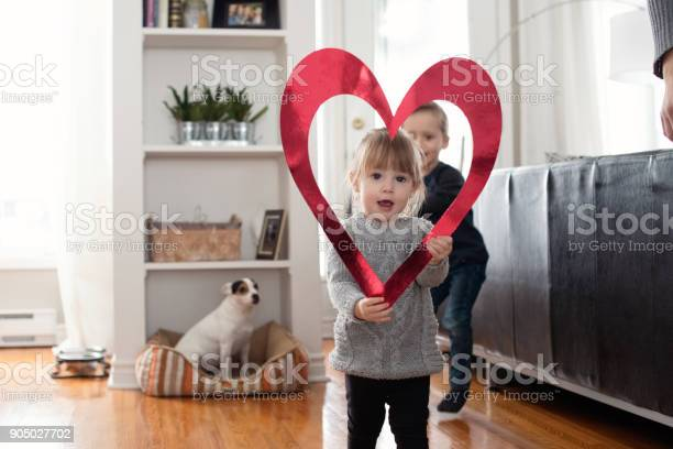 Valentines day with two lovely children sister and brother holding picture id905027702?b=1&k=6&m=905027702&s=612x612&h=xxr4mdzonvlpq18esjgyexgppuidjkvfti ustevfcs=